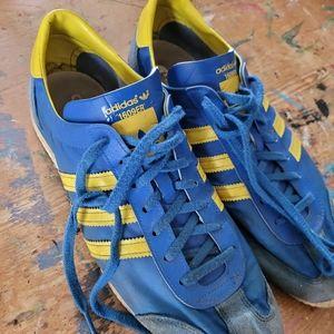 Adidas 1609er shoes